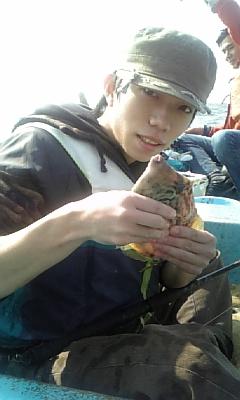 葉山森戸海岸ー手漕ぎボートで釣りに行ってきました。_f0131216_1325987.jpg