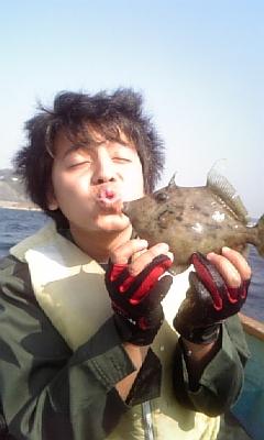 葉山森戸海岸ー手漕ぎボートで釣りに行ってきました。_f0131216_1341211.jpg