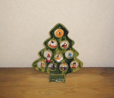 今年もクリスマスツリー作りましょう_e0132834_7422436.jpg