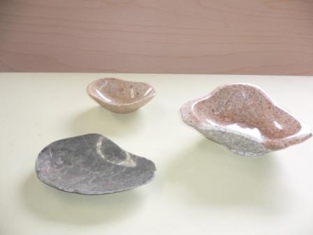 石の皿_c0160758_1325797.jpg