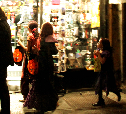 ニューヨークのハロウィン・パレード:当日午後の楽しみ方_b0007805_163320100.jpg