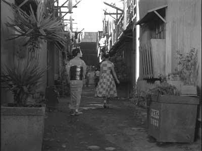 『乳母車』(石原裕次郎主演、田坂具隆監督、1956年日活映画)の美術 その4  _f0147840_23502692.jpg