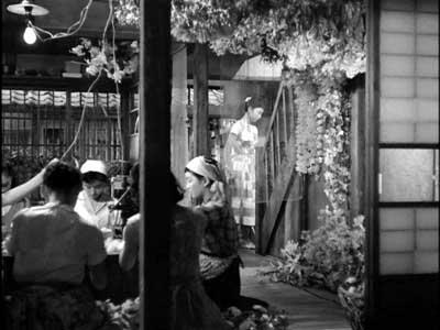 『乳母車』(石原裕次郎主演、田坂具隆監督、1956年日活映画)の美術 その4  _f0147840_23564360.jpg
