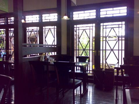 珈琲のお店で紅茶_b0168840_13442272.jpg