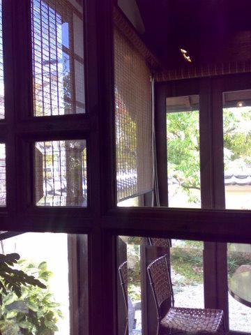 珈琲のお店で紅茶_b0168840_1344582.jpg