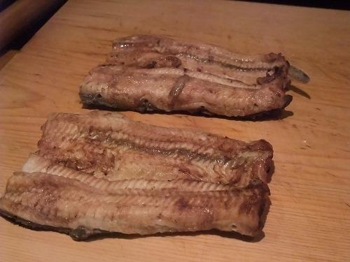鰻の食べ比べ_c0184265_1219473.jpg