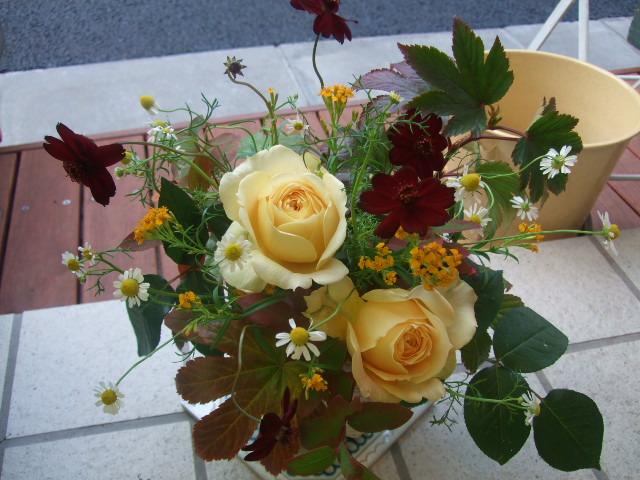 オークリーフ(黄色い薔薇のアレンジメント)_f0049672_13372182.jpg
