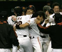 日本シリーズ第5戦、巨人が勝って王手!_d0150722_1251528.jpg