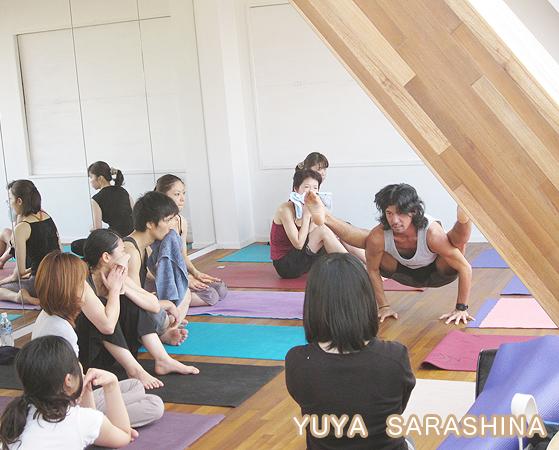 sunday!  YUYA SARASHINA YOGA WORKS_e0183516_1705466.jpg