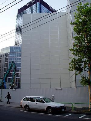 さよなら交通博物館 建物の解体状況(1)_f0030574_3285349.jpg