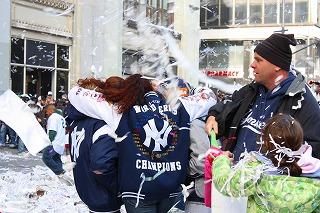 ヤンキースに沸いた一日 最高の優勝パレード!_e0160528_1337710.jpg
