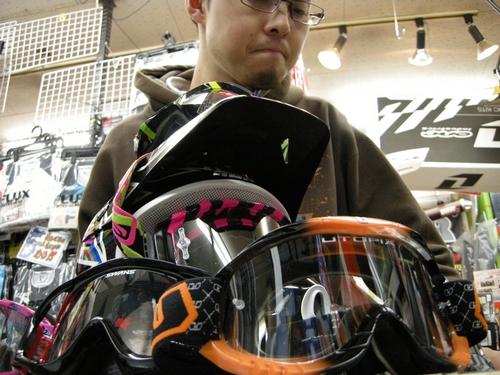 2010 ONE KOMBATヘルメット試着会_f0062361_2224084.jpg