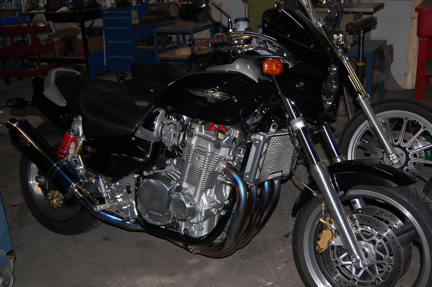 某バイクデーラーからのお仕事!!_c0227496_146168.jpg