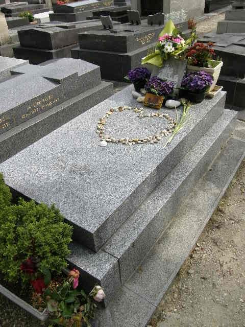モンパルナス墓地 -その2-_f0189467_091586.jpg