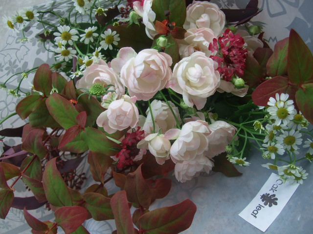オークリーフ(バラとポプラスベリーの花束)_f0049672_18224588.jpg