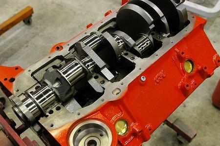 V8 エンジン....._d0141049_2326893.jpg