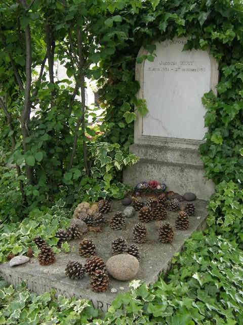 モンパルナス墓地 -その3-_f0189467_23552192.jpg
