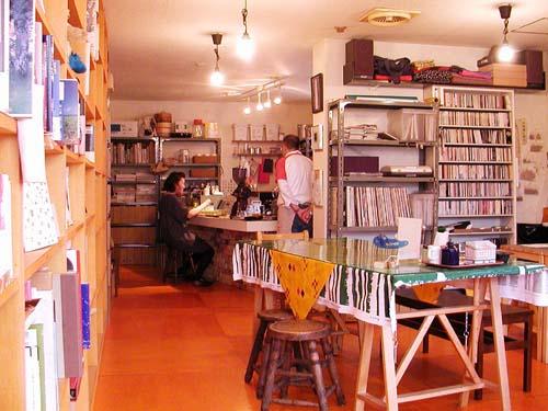 札幌の喫茶店*『Kissa Kaika(開化)』_f0092382_4191970.jpg