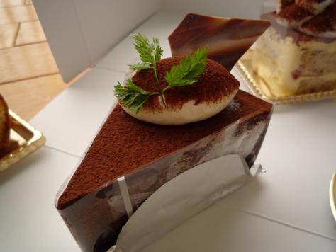 ロイヤルパインズホテルのケーキ~♪_e0123286_1914188.jpg