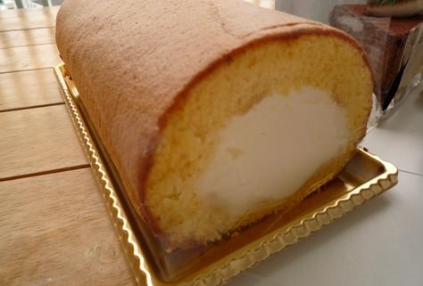 ロイヤルパインズホテルのケーキ~♪_e0123286_1932987.jpg