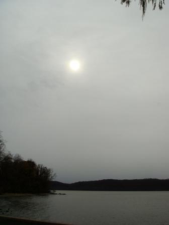 曇り空と曇り空の間_e0147716_874048.jpg