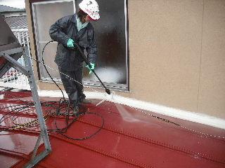 屋根塗装・・初日の高圧洗浄_f0031037_18472063.jpg