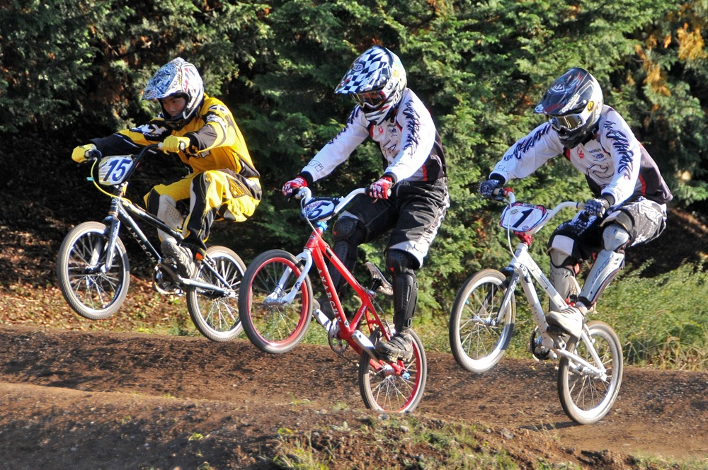 2009JOSF緑山11月定期戦VOL1:BMXエキスパート・エリートクラス決勝_b0065730_20242332.jpg