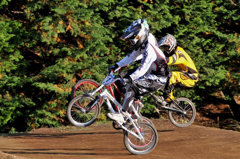 2009JOSF緑山11月定期戦VOL1:BMXエキスパート・エリートクラス決勝_b0065730_20243975.jpg