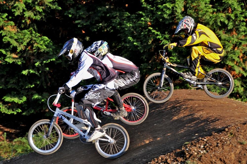 2009JOSF緑山11月定期戦VOL1:BMXエキスパート・エリートクラス決勝_b0065730_20244645.jpg