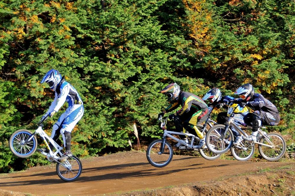 2009JOSF緑山11月定期戦VOL1:BMXエキスパート・エリートクラス決勝_b0065730_20321173.jpg