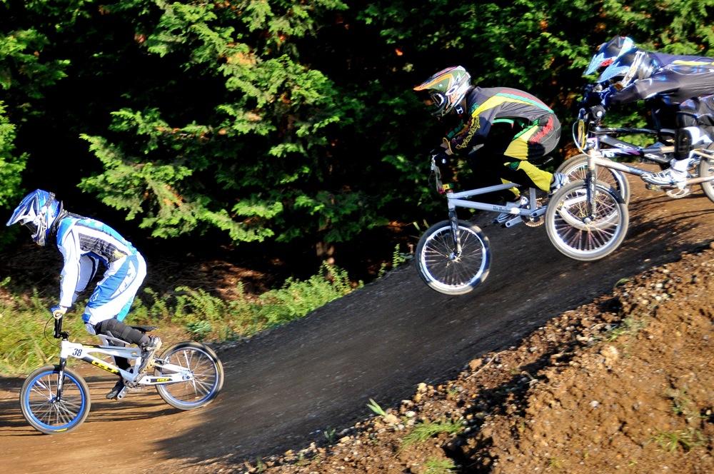 2009JOSF緑山11月定期戦VOL1:BMXエキスパート・エリートクラス決勝_b0065730_20323263.jpg