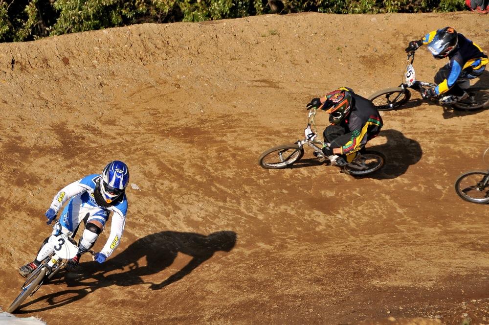 2009JOSF緑山11月定期戦VOL1:BMXエキスパート・エリートクラス決勝_b0065730_20332280.jpg