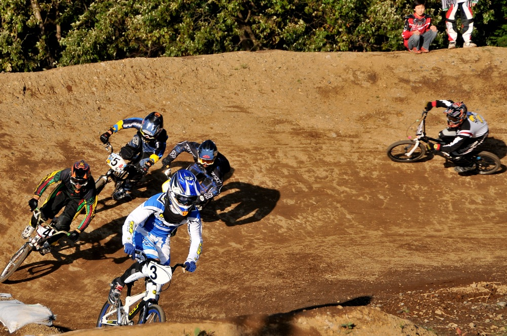 2009JOSF緑山11月定期戦VOL1:BMXエキスパート・エリートクラス決勝_b0065730_20333248.jpg
