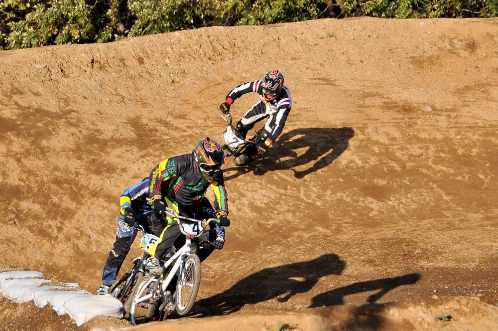 2009JOSF緑山11月定期戦VOL1:BMXエキスパート・エリートクラス決勝_b0065730_20334286.jpg
