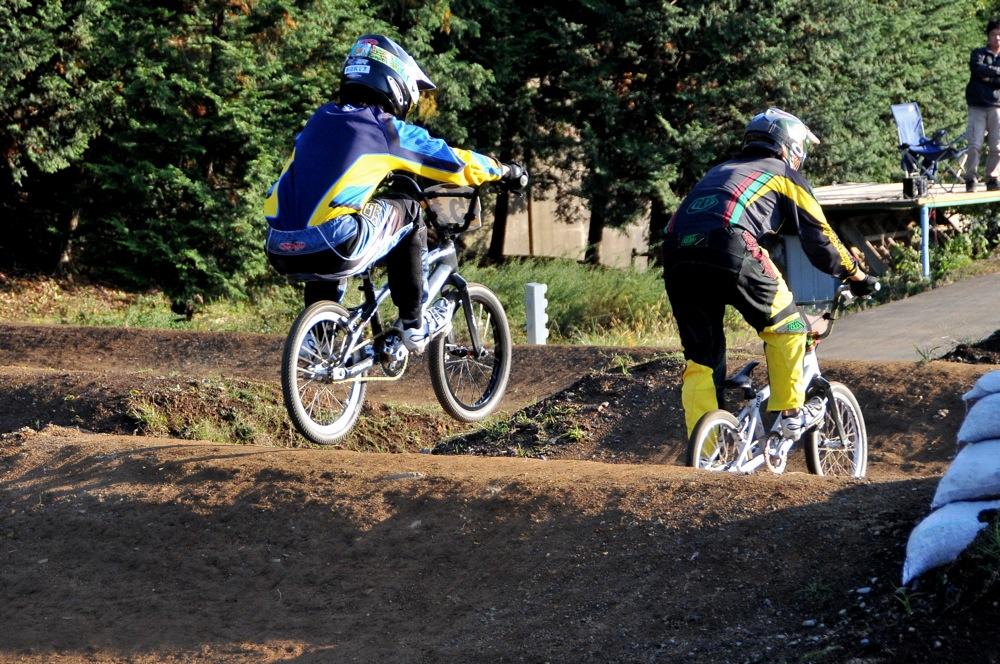 2009JOSF緑山11月定期戦VOL1:BMXエキスパート・エリートクラス決勝_b0065730_2034055.jpg