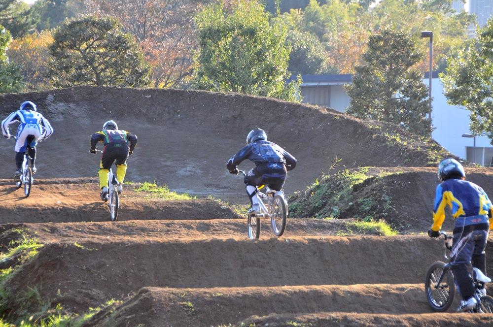 2009JOSF緑山11月定期戦VOL1:BMXエキスパート・エリートクラス決勝_b0065730_20355749.jpg