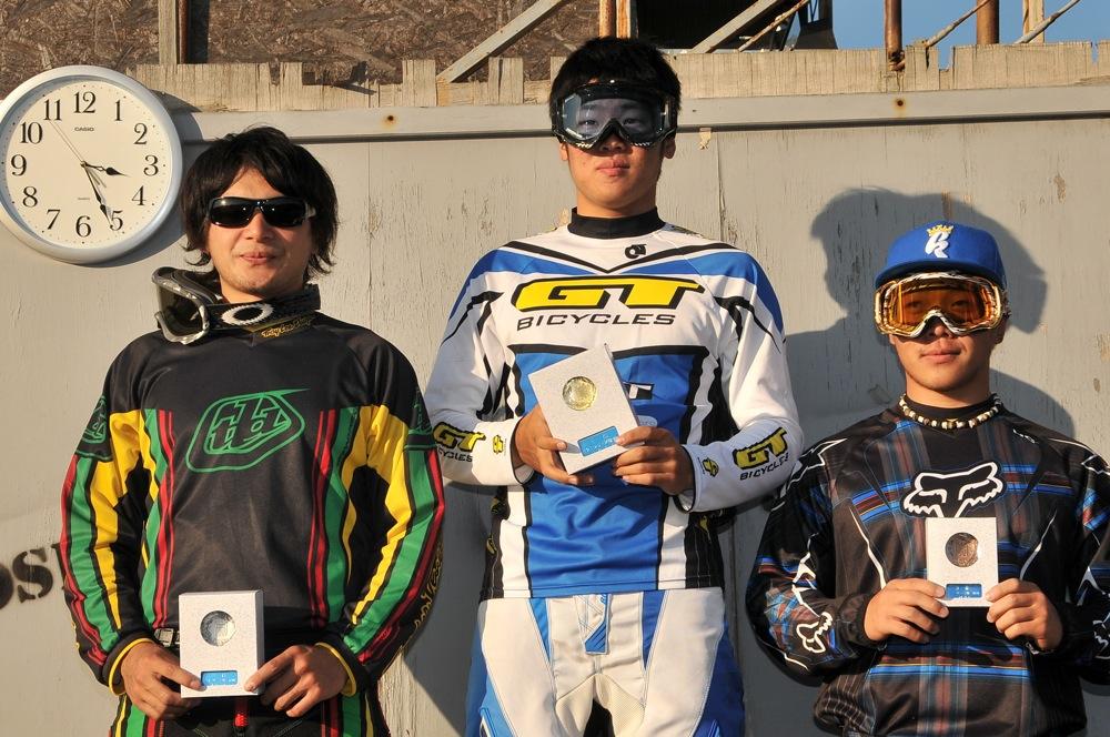 2009JOSF緑山11月定期戦VOL1:BMXエキスパート・エリートクラス決勝_b0065730_2038173.jpg
