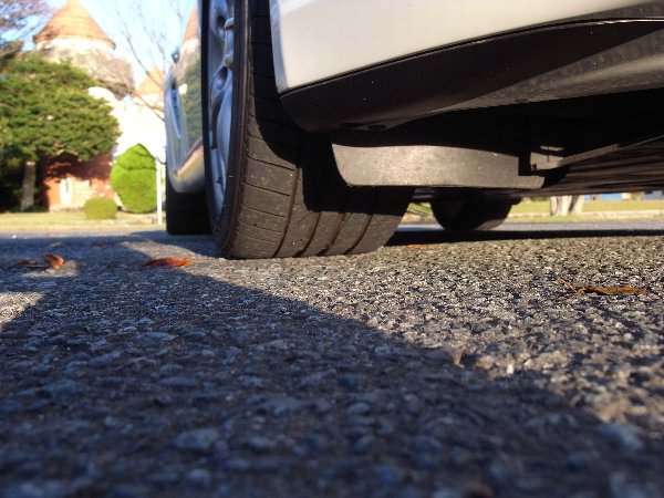 タイヤ交換と自動車保険の更新_b0071543_1119114.jpg