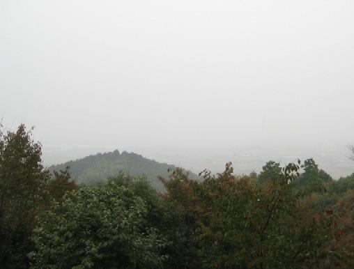 雨の安土城を歩く_c0013687_21423378.jpg
