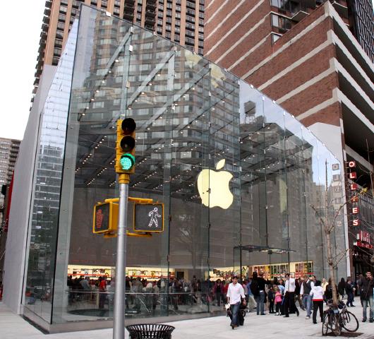 NY4店舗目のアップル・ストアがアッパー・ウェストにオープン!_b0007805_11395089.jpg