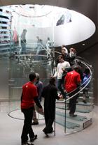 NY4店舗目のアップル・ストアがアッパー・ウェストにオープン!_b0007805_1140499.jpg