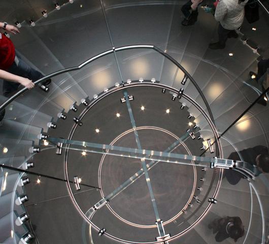 NY4店舗目のアップル・ストアがアッパー・ウェストにオープン!_b0007805_1141654.jpg