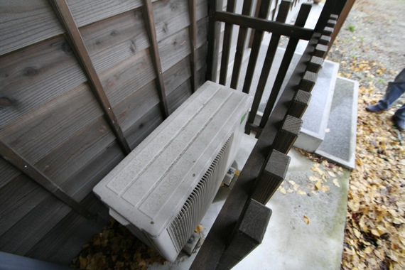 Q1断熱改修の家の1年後の瑕疵点検_e0054299_1519387.jpg