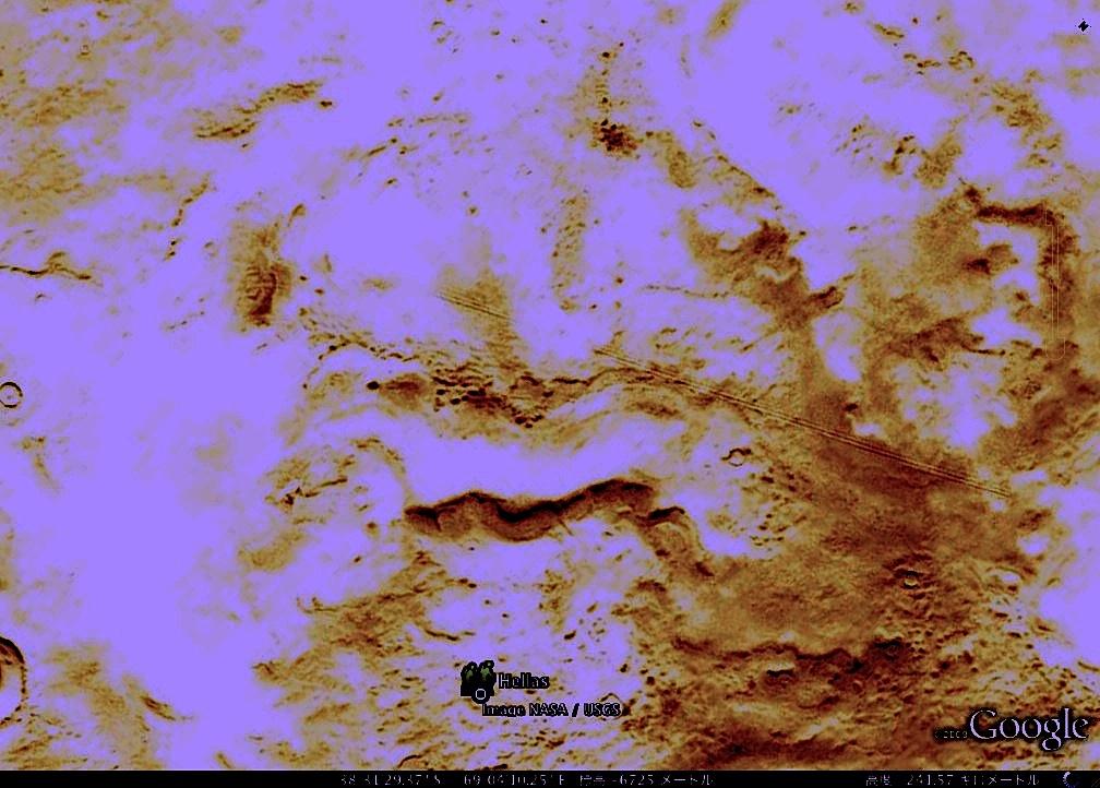 グーグル火星の画像の謎:「Hellas(偉大なギリシャ)」_e0171614_18415250.jpg