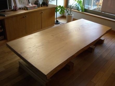 修復可能なテーブル_c0152341_23493089.jpg