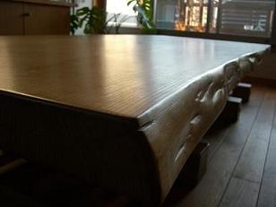 修復可能なテーブル_c0152341_23495246.jpg