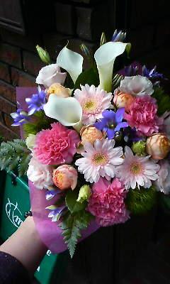ピンクのウォームブーケ_c0137266_22111376.jpg