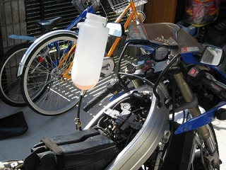 後輩のバイク整備_c0181475_1705893.jpg