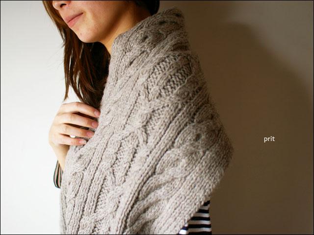 prit [プリット] 1/3.5ペルーハイランドエコウール手編み釦付きマフラー_f0051306_1941950.jpg