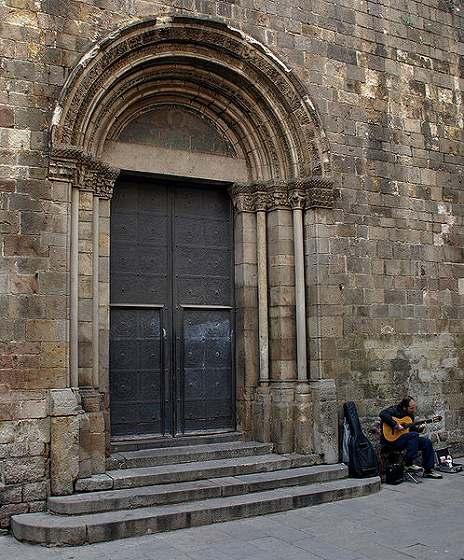 カテドラルのあたりで   Catedral de Barcelona_b0064411_5255122.jpg